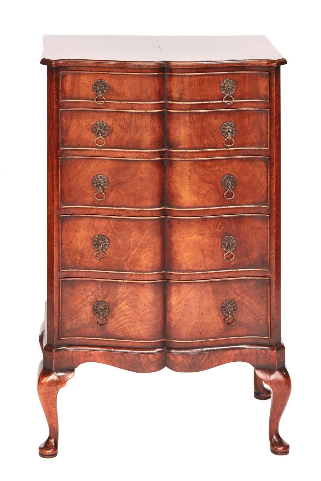 Georgian style walnut chest circa 1920s